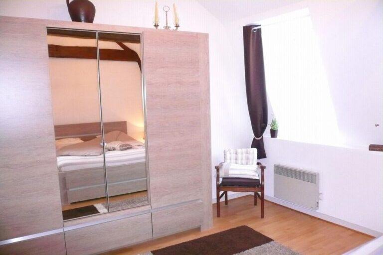 Gîte Honfleur Chez Lisette commode de la chambre