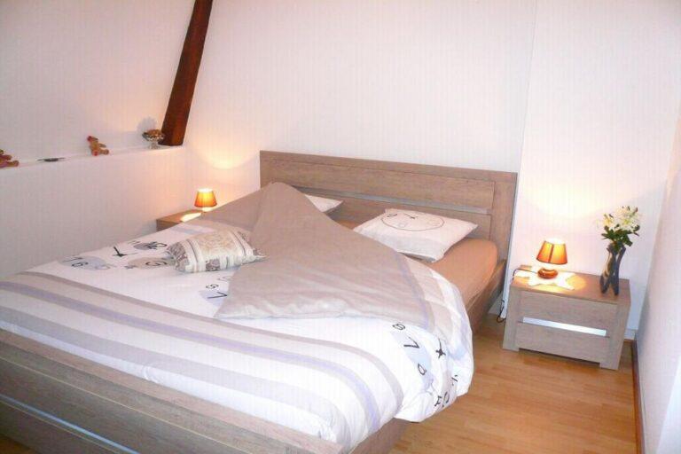 Gîte Honfleur Chez Lisette coin chambre avec lit confort