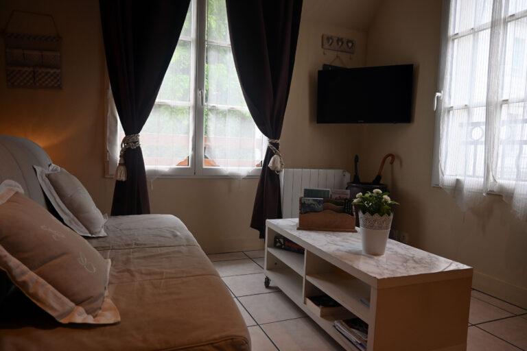 Gîte à Honfleur partie séjour télévision aux cottages gîte pour 4 personnes