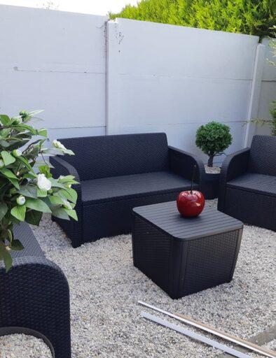 Gïte Honfleur extérieur avec canapé et fauteuils